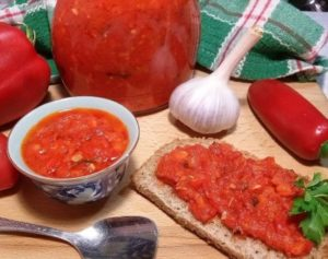 аджика на зиму из помидор острая рецепт