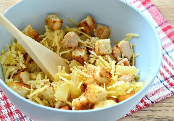 Хрустящий салат с ананасами
