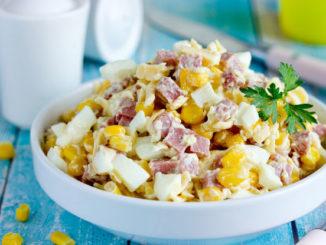 салат Ёжик с консервированной кукурузой