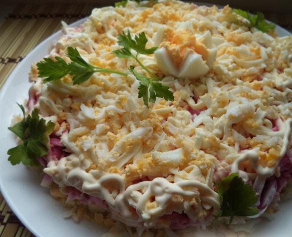 """Салат """"Невеста"""" с плавленным сыром"""