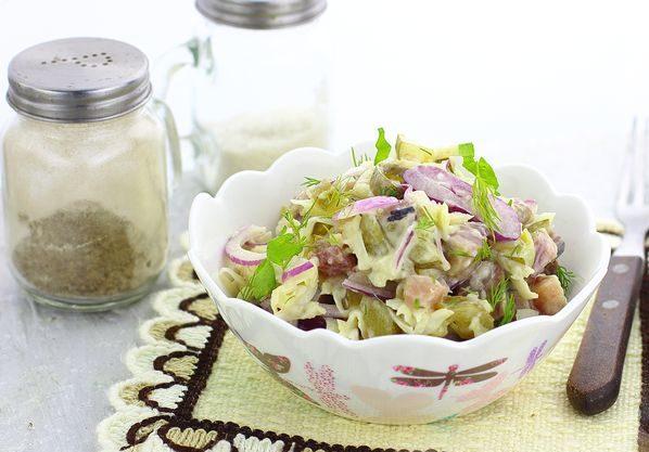 Оригинальный салат с селедкой